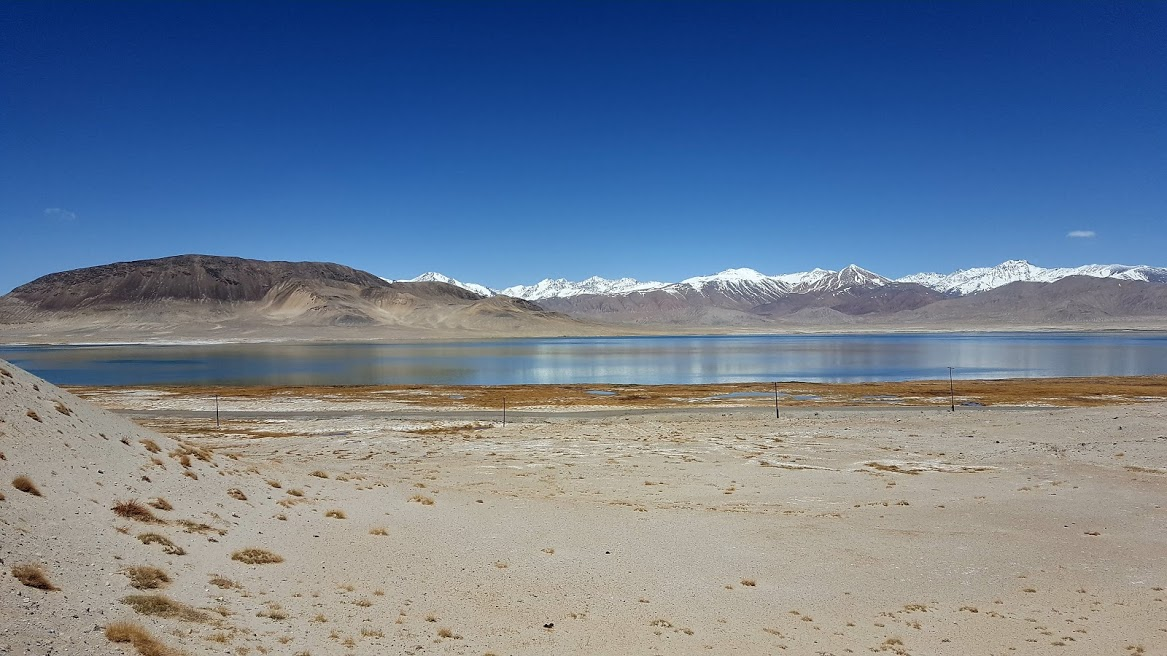 kara-kul-lake
